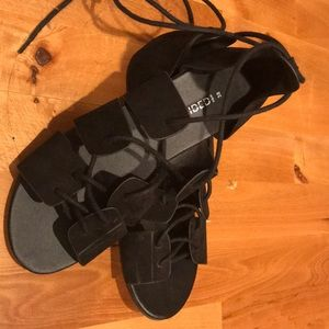 Divided by H & M laces sandals